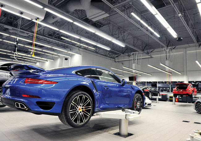 Porsche Center Oakville - Ontario, Canada